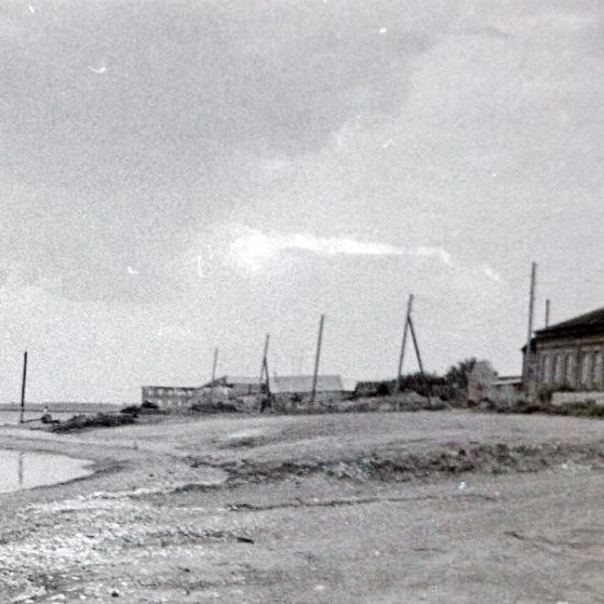 Старое фото баржи в Старой Майне